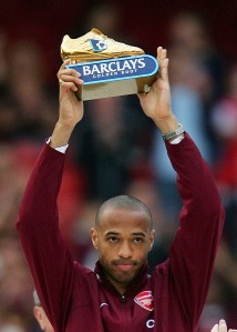 Arsenal's Henry holds aloft the Golden Boot trophy at Highbury