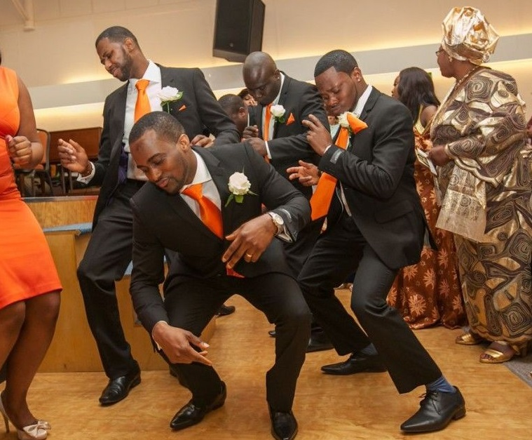 Nigerian-wedding-groomsmen-dancing